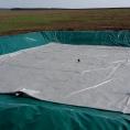 Citerne souple avec son bassin de rétention sur talus pour engrais liquide
