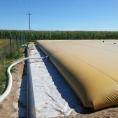 Réserve d'eau pour l'irrigation agricole, via une citerne souple